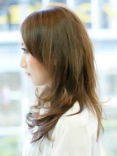 【表参道30代髪型】ロングカールスタイルサイド
