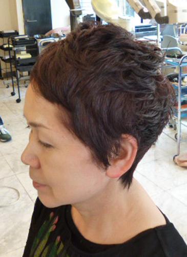 40代50代髪型ベリーショート